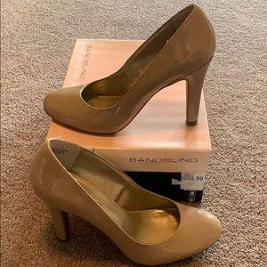 Bandolino Shoes - New in box tan heels